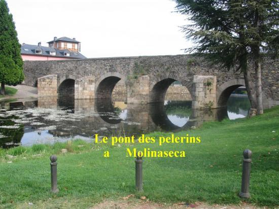 Pont entrée de Molinaseca